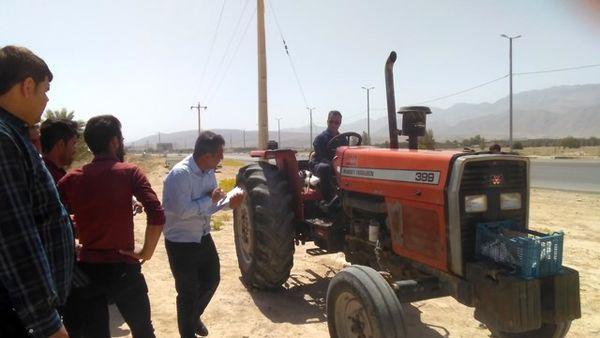 برگزاری کارگاه آموزشی سرویس و نگهداری تراکتور در شهرستان دشتستان