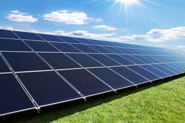 اولین مزرعه انرژیخورشیدی درنیریز  راهاندازی میشود