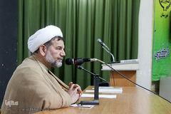 قرآن کریم مبنای اندیشه فکری و اعتقادی ما بوده و جامعه باید برای حرکت در مسیر قرآن ترغیب شود