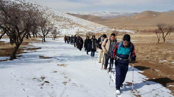 صعود گروه کوهنوردی شهدا سازمان جهاد کشاورزی چهارمحال و بختیاری به قله تهلیجان