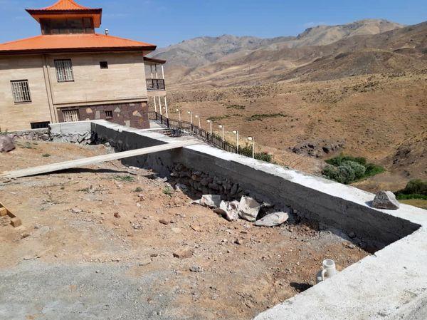 توقف ساخت 4 بنای غیر مجاز در اراضی کشاورزی شهرستان آبیک اجرا شد