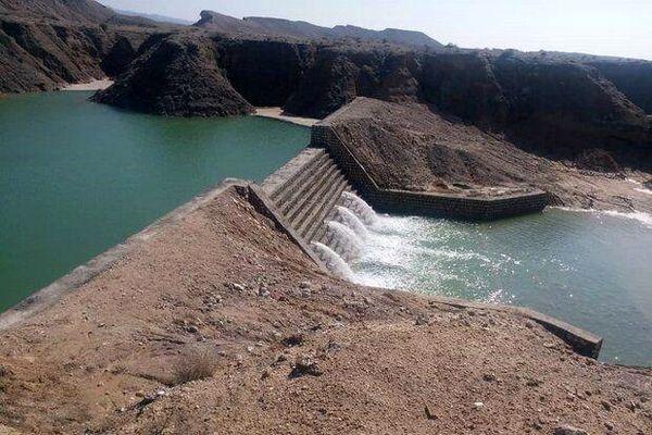 احداث بندهای خاکی در حوزه کوه زر شهرستان دامغان