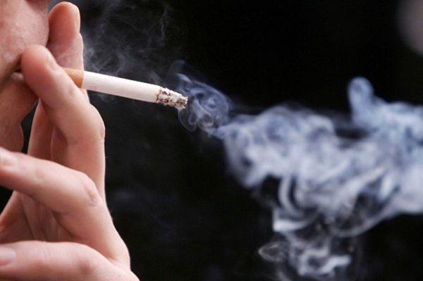 ۷۰ درصد دانشجویان از دبیرستان سیگار کشیدهاند