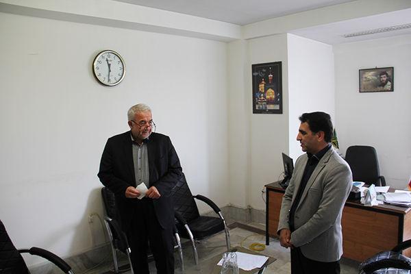 حضور رئیس سازمان در اداره روابط عمومی به مناسبت روز ارتباطات