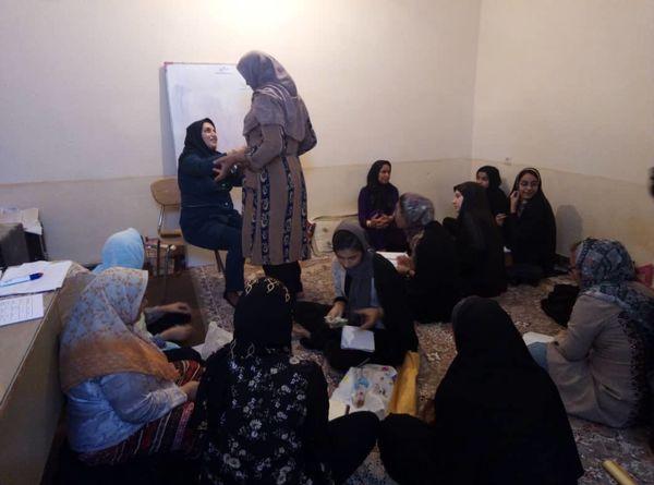 توجه به زنان روستایی و عشایری از سیاست های اساسی صندوق خرد زنان روستایی است