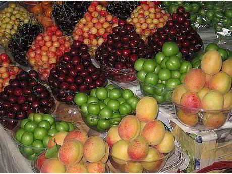 تولید 140 هزار تن هلو و شلیل در نکا