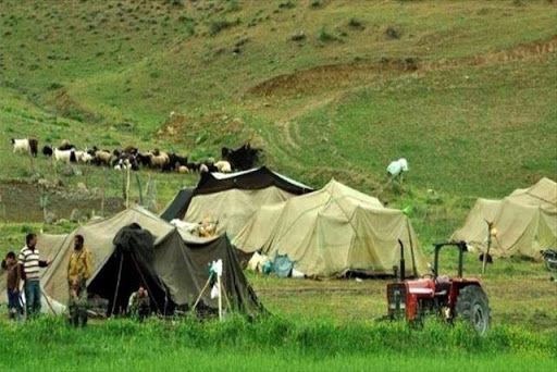 آبرسانی روزانه به عشایر شهرستان رفسنجان توسط تانکر