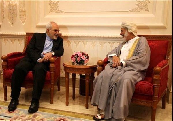 رایزنی ظریف با وزیر امورخارجه عمان در مسقط
