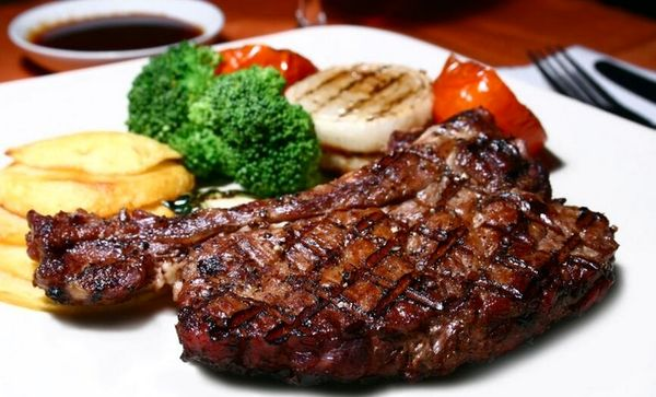 8 خوراکی که باعث نقرس میشود