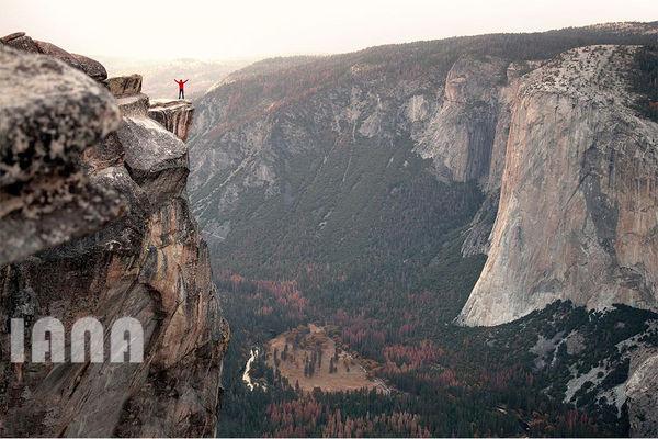کوهنوردی در ارتفاع هزار فوتی کوههای کالیفرنیا