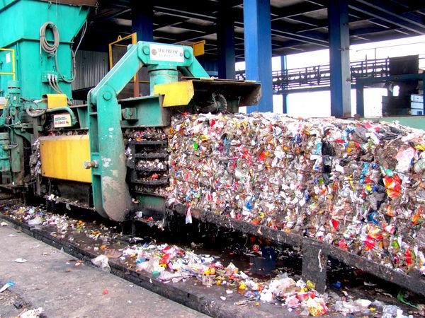برنامه تنکابنیها برای تبدیل زباله به قیر