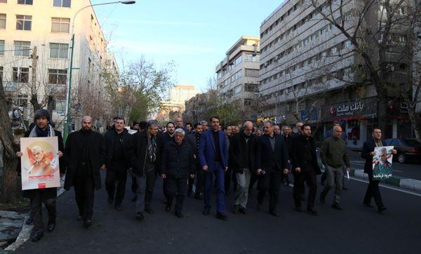 سرپرست وزارت جهاد کشاورزی در آیین تشییع و وداع میلیونی مردم تهران با پیکر شهید سردار سلیمانی حضور یافت