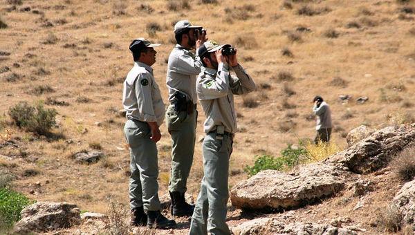 شکارچیان برای  حیات وحش و محیطبانان تهدید هستند