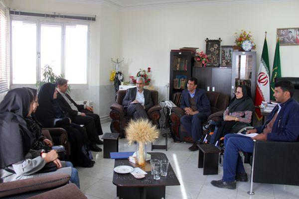 تجلیل از کارشناس ارشد تولیدات گیاهی سازمان جهاد کشاورزی استان