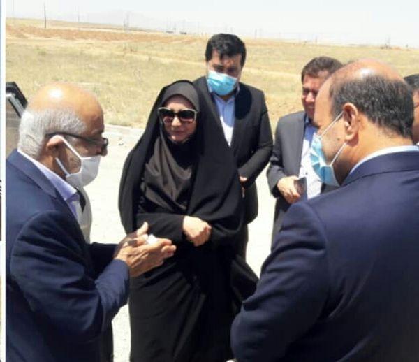 بازدید مدیران اقتصادی استان از شهرک گلخانه ای نودهک تاکستان