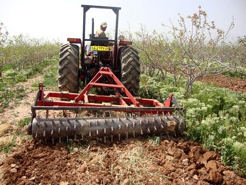 اجرای طرح پلاک گذاری ماشین آلات کشاورزی در سروستان