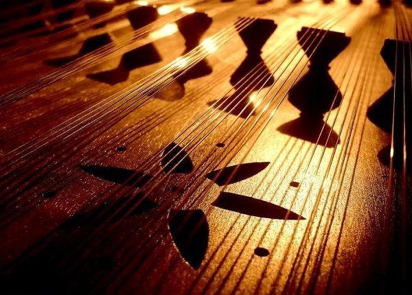 کنسرت تکنوازی «راویان سنتور» در سالن عمارت روبرو