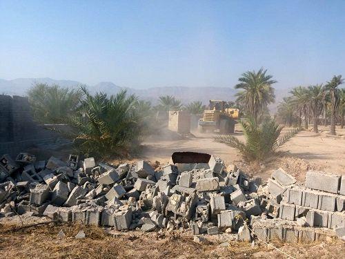 تخریب ساخت و سازهای غیر مجاز در اراضی کشاورزی گراش