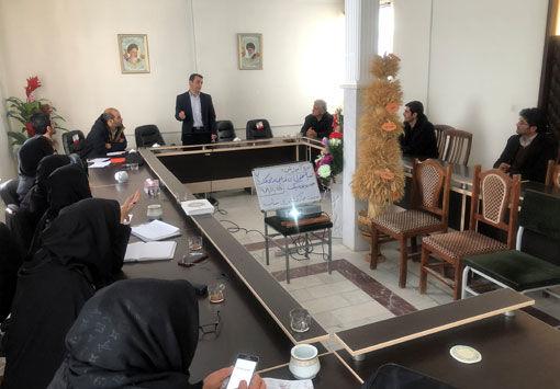 برگزاری کارگاه آموزشی تهیه محلول های غذایی برای کشت های هیدروپونیک در شهرستان بناب