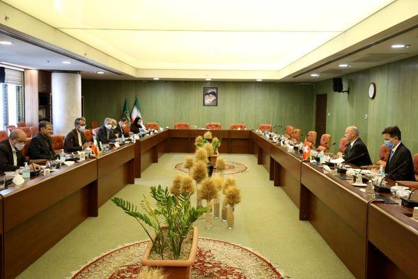 ظرفیتها و راههای توسعه همکاریهای کشاورزی ایران و سوئیس