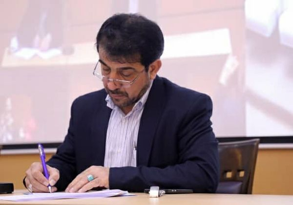 قدردانی رئیس سازمان جنگلها از وزیر دفاع برای همکاری در اطفاء حریق در جنگلهای گچساران