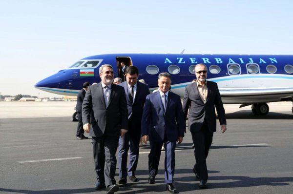 ورود وزیر کشور به آذربایجان برای تفاهم امنیتی در مرزها