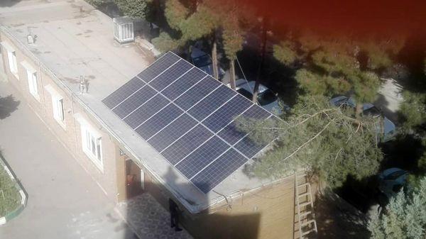 نصب 16 پنل خورشیدی در جهاد کشاورزی شهرستان ری با توان تولید روزانه 25کیلووات ساعت برق
