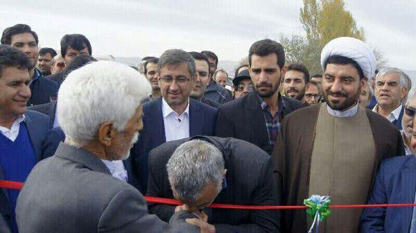تکریم وزیر جهاد کشاورزی نماد احترام به تلاش برای آبادانی کشور