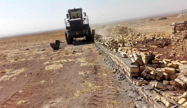 قلع و قمع یک مورد ساخت و ساز غیر مجاز در تاکستان