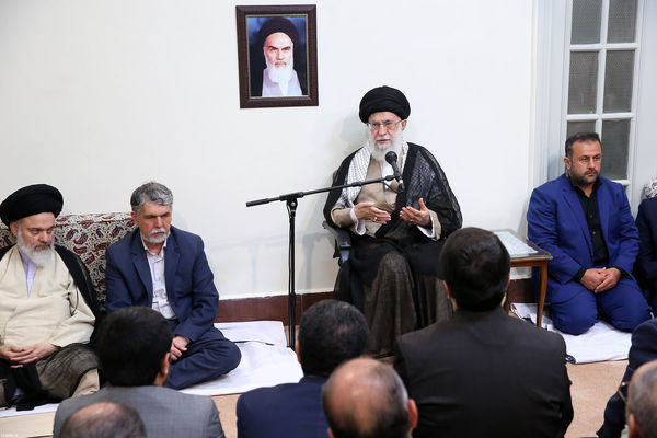 پیامهای سیاسی حجِ انقلاب اسلامی را به دنیای اسلام برسانید