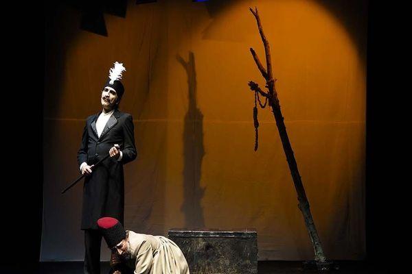 اجرای دو نمایش در تالار سایه تمدید شد