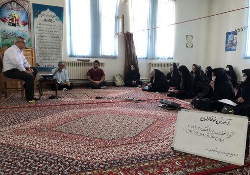 برگزاری کلاس آموزشی نوغانداری برای اولین بار در شهرستان بناب