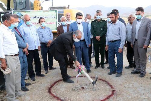 کلنگ زنی پروژه های شبکه آبیاری و زهکشی در استان فارس