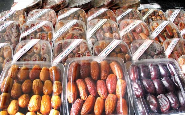 عرضه خرما در بورس کالا دست دلالان را کوتاه میکند
