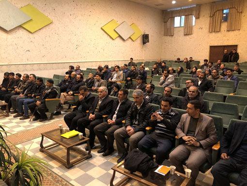 برگزاری همایش اصول زنبورداری توسط مدیریت جهاد کشاورزی شهرستان بناب