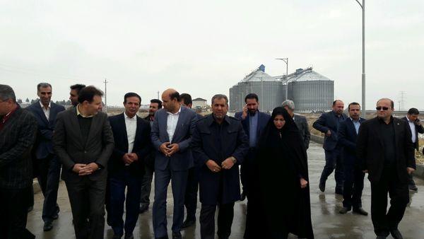 استاندار قزوین از سیلوی ذخیره سازی غلات شهرستان آبیک بازدید کرد